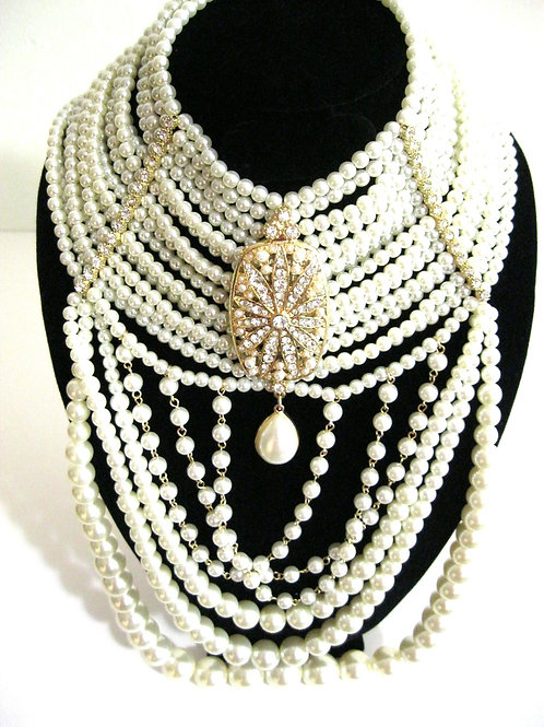 Pearl Stunner Necklace