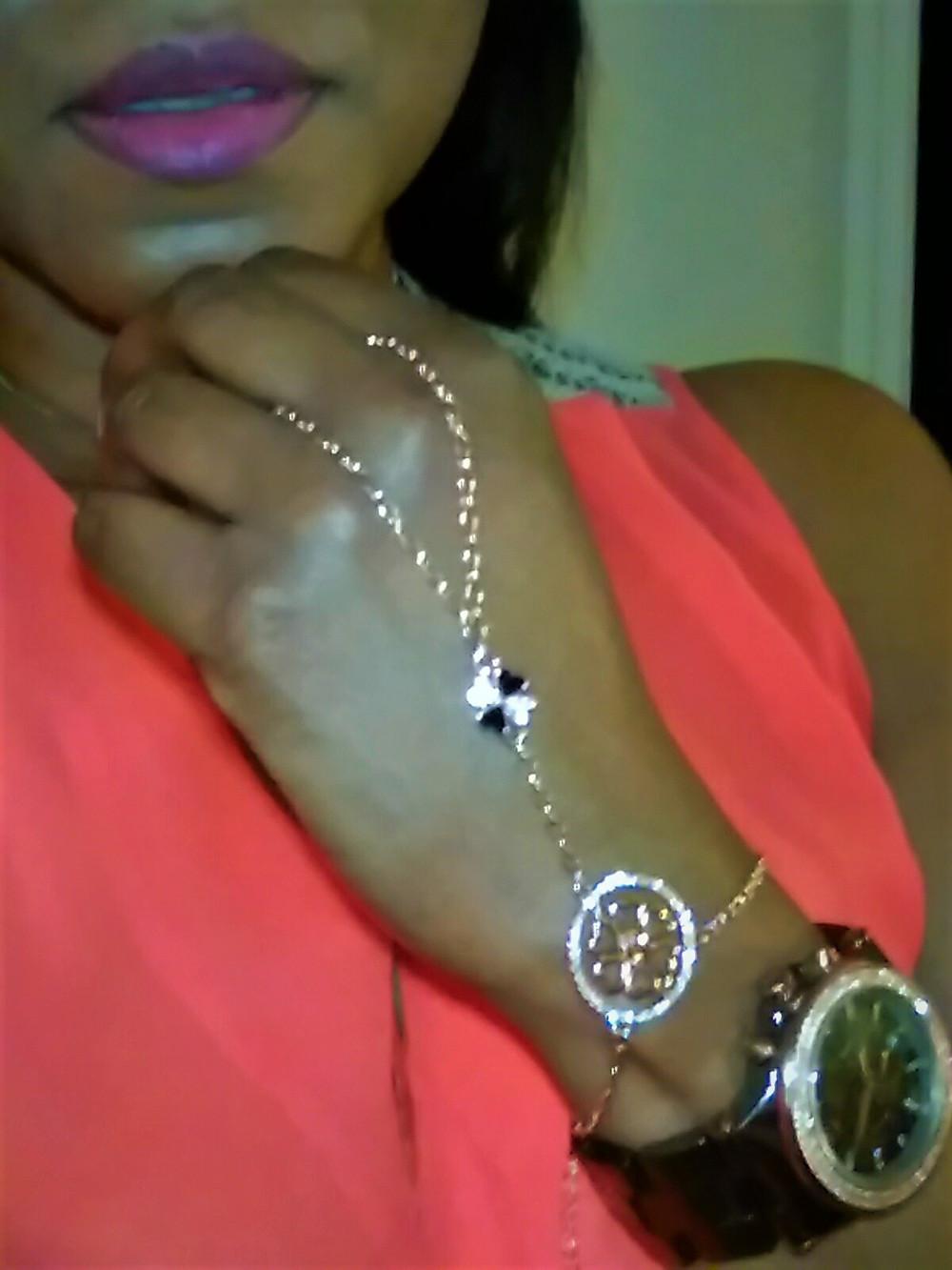 alluring woman, uncommon style, uncommon goods, jewelry, jewellery, unique jewelry