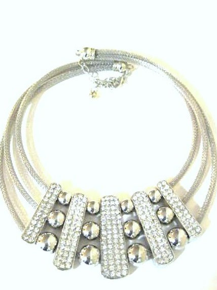Day to Night Silver Collar Necklace
