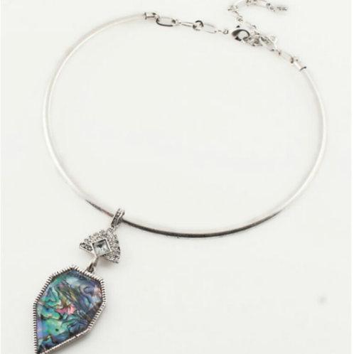 Multi-color Shell Pendant Choker Necklace
