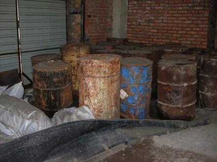 Утилизация пестицидов и гербицидов на складе в Алтайском крае