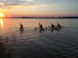 03.kayak.sunset.jpg
