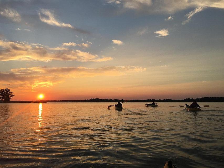 05.kayak.sunset2.jpg