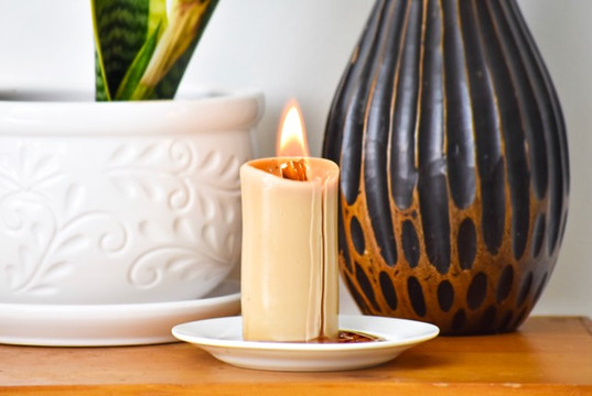 https://www.strivingforahealthylifestyle.com/beeswax-candles