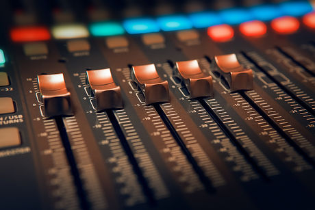 black-and-brown-audio-mixer-3784424.jpg