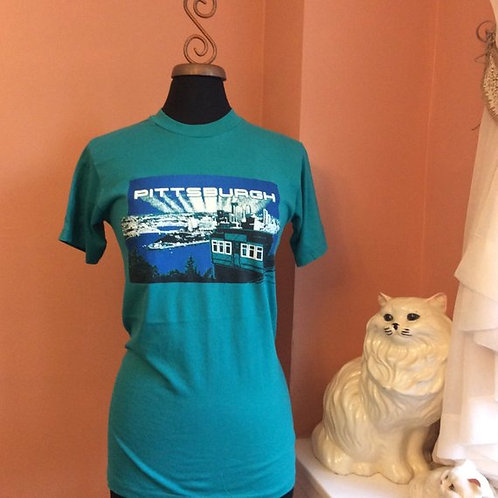 Vintage Tshirt, 80s T-shirt, Pittsburgh, Harbor, Tourist, City Skyline