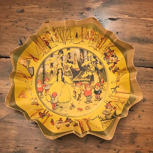 1930s Paper Plate, RARE, Snow White and the Seven Dwarfs, Fairy Tail, Scalloped