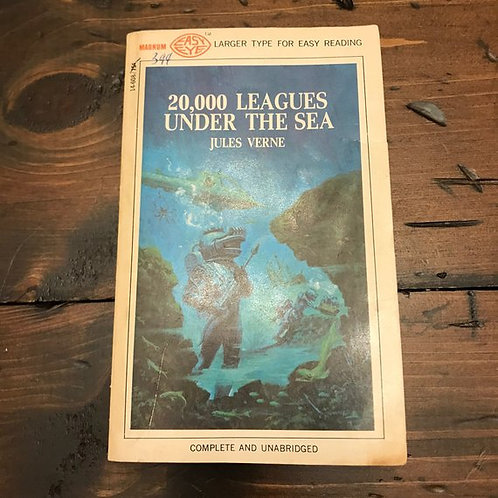 20000 Leagues Under the Sea by Jules Verne, 1968 Paperback, Classic Literature