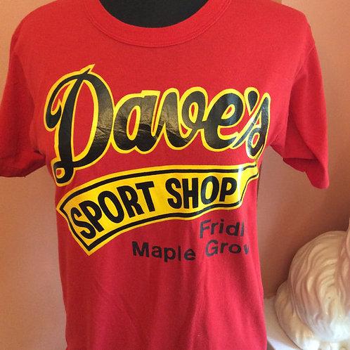 Vintage T-Shirt, 90s TShirt, Dave's Sports Shop, Minnesota