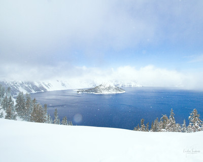 Crater lake a wizard island oregon