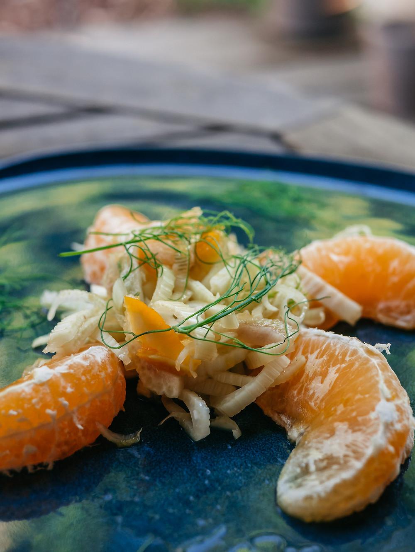 Une nouvelle recette de radis et compagnie, une recette vegan sans gluten, sans lactose et sans sucres ajoutés pour cette salade de fenouils aux agrumes, orange et citron.