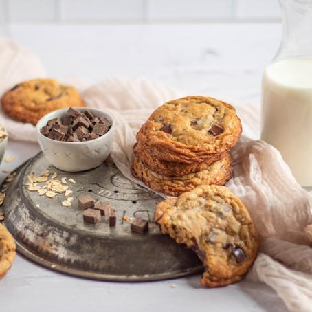 Chewy Oatmeal Chocolate Chunk Cookies