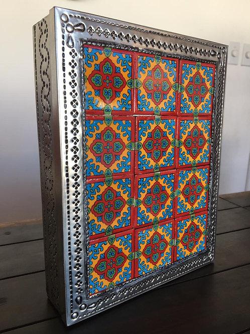 Jollero de latón y azulejo hecho a mano en Tonalá, Jal