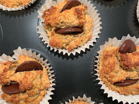 Simple (& Healthy) Banana Muffins