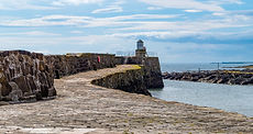 lighthouse-4539522_1920.jpg