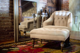 armchair-2608301_1920.jpg