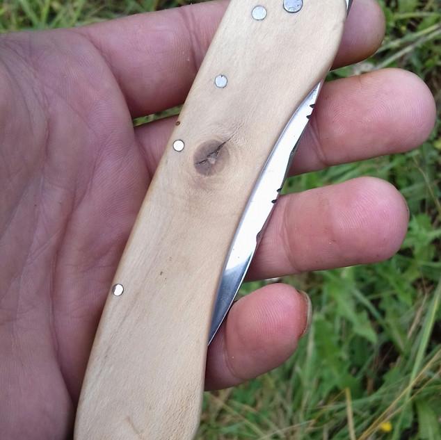 Couteau pliant - artisanat forge et travail du bois