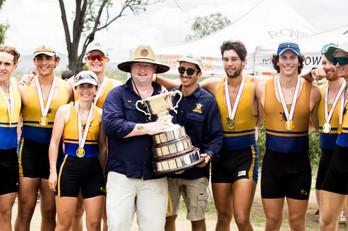 Kiwi's crew taking the cup