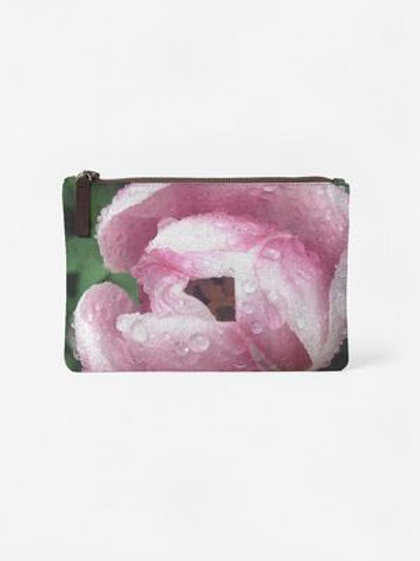 Rose with Dew Pouch