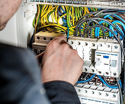 electrician-1080573_960_720.jpg