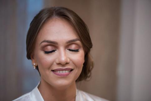Laura makeup