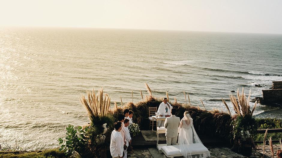 How to organize a wedding on the beach?