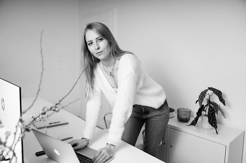 Laura Lindenmann Art Direkorin Grafikdesignerin Berlin Design Studio