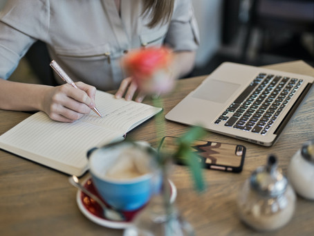 What is the Definition of a Digital Nomad Copywriter?