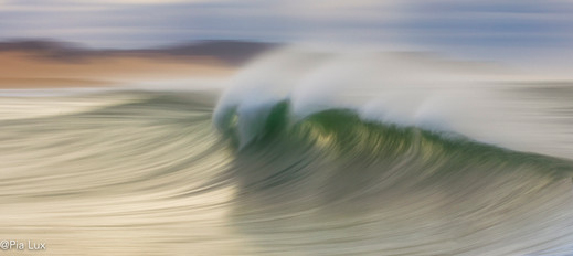 The silence of the waves