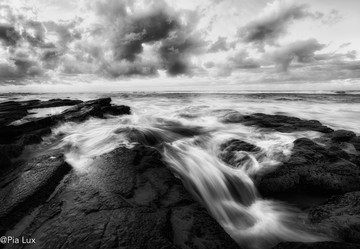 Flowing over the rocks mono