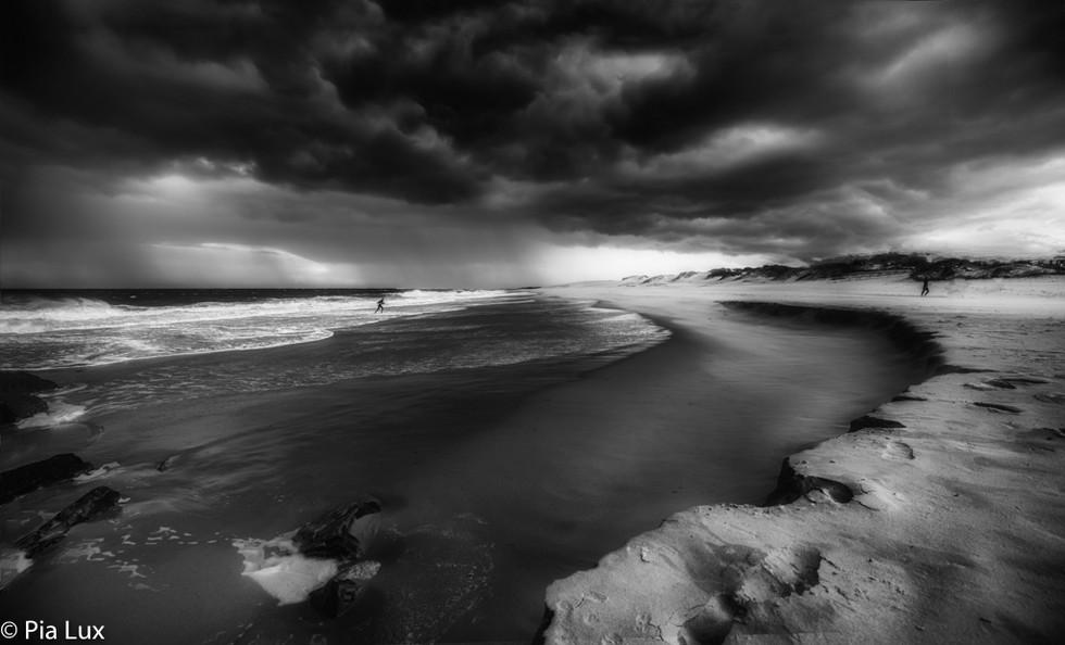 When darks clouds gather - mono