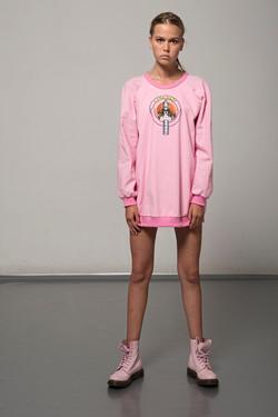 ILKECOPSS17Sheatomsweaterfront