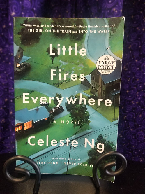 Little Fires Everywhere by Celeste Ng - Large Print