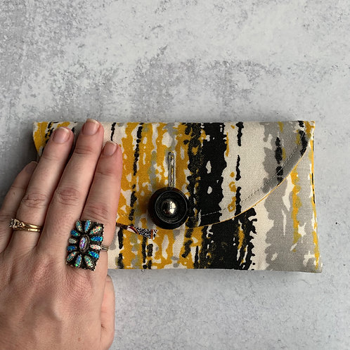 Bumble Rounded Clutch
