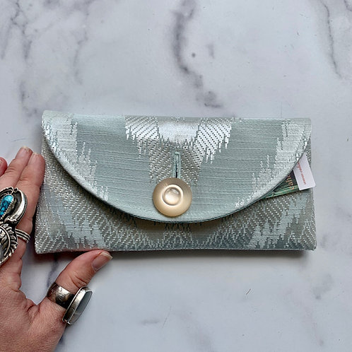 Glacier Rounded Clutch