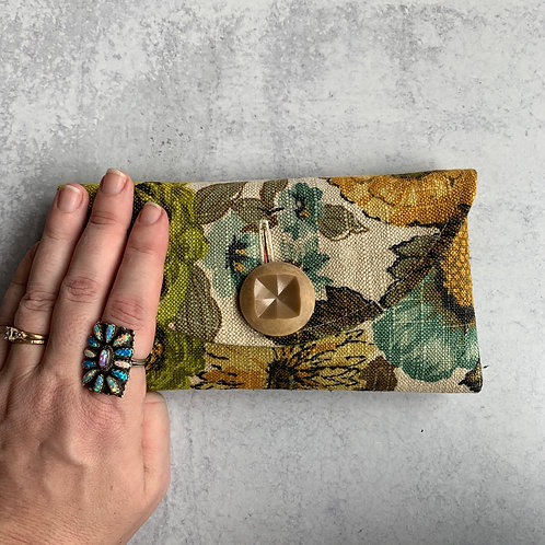 Gretel Rounded Clutch