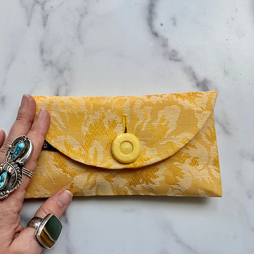 Meyer Rounded Clutch