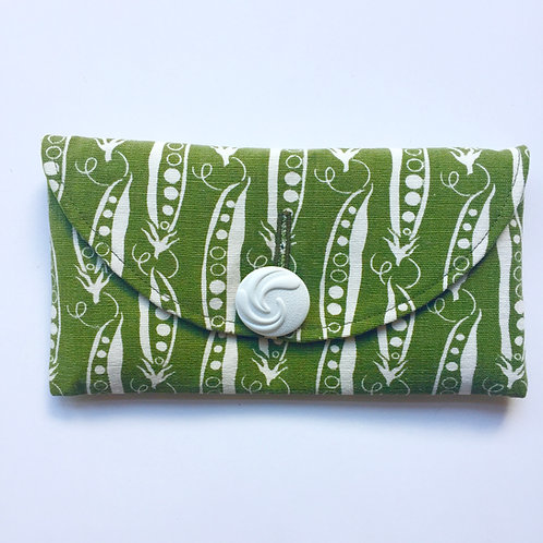 Peapod Rounded Clutch