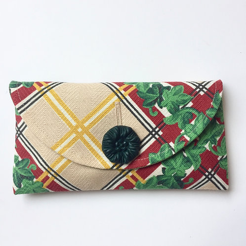 Trellis Rounded Clutch