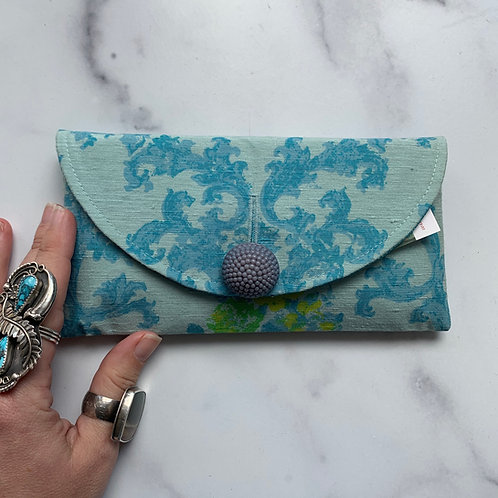 Ware Rounded Clutch