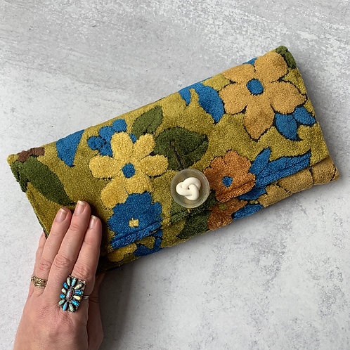 Leapfrog Oversized Clutch