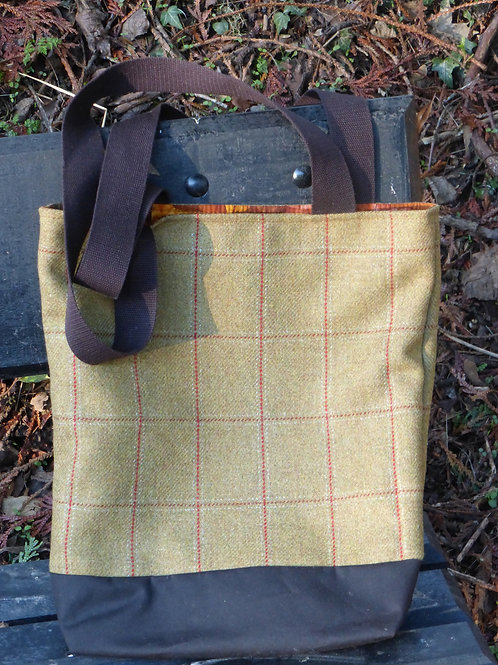 Tote in Scottish Tweed