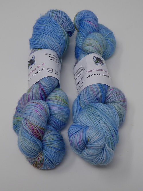 Summer memories: 4 Ply/Fingering, Merino/Nylon
