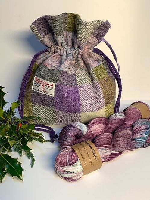 Bennachie Project Bag and two skeins of Cardoon yarn