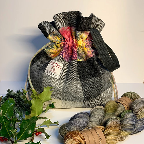 Bennachie Project Bag and two skeins of Bothy yarn