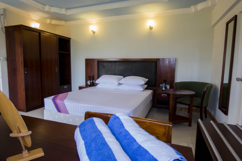 Lacabana Maldives Superior Deluxe Room (1)
