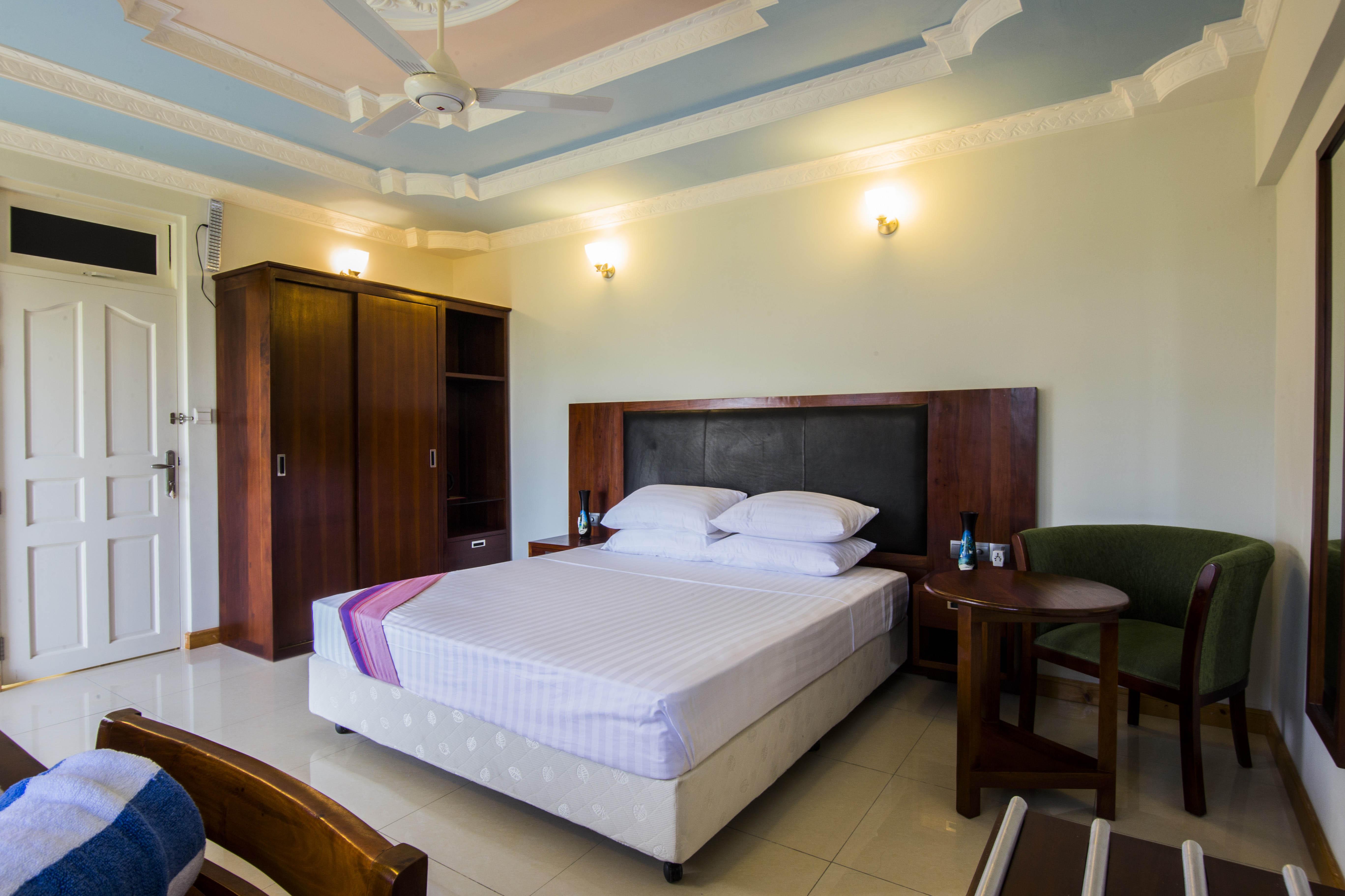 Lacabana Maldives Superior Deluxe Room (6)