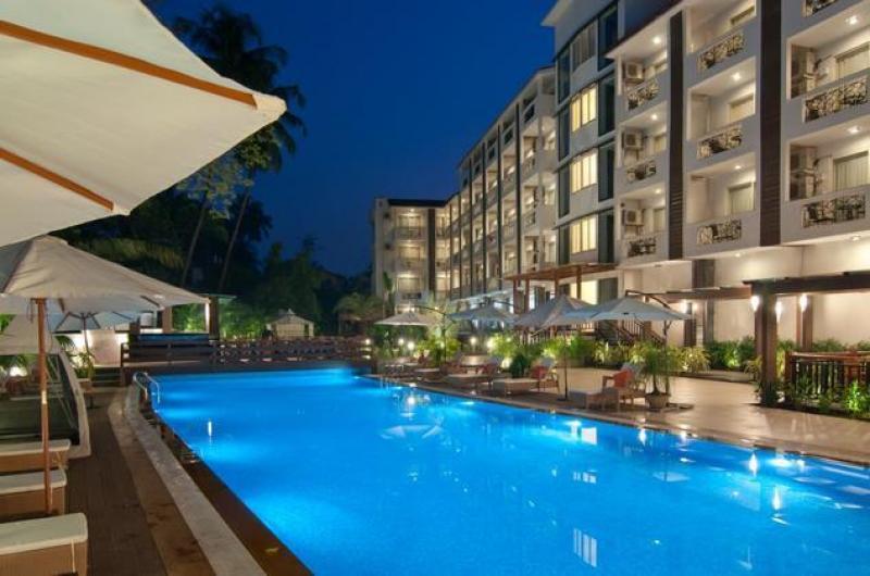 Nagoa_Grande_Swimming_Pool57