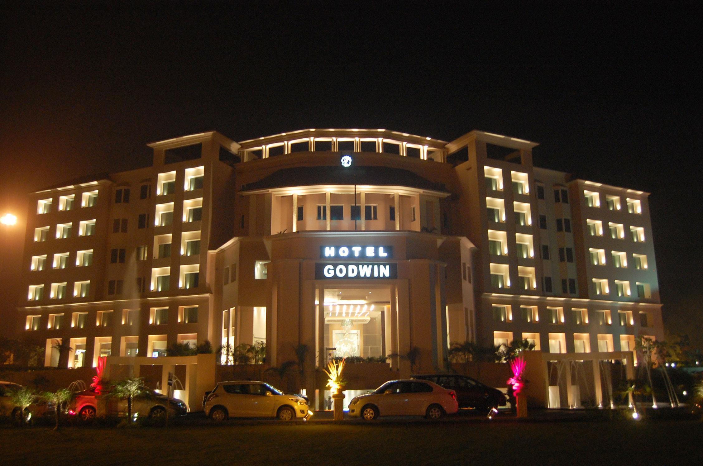 godwin-hotel-meerut-entrance-night