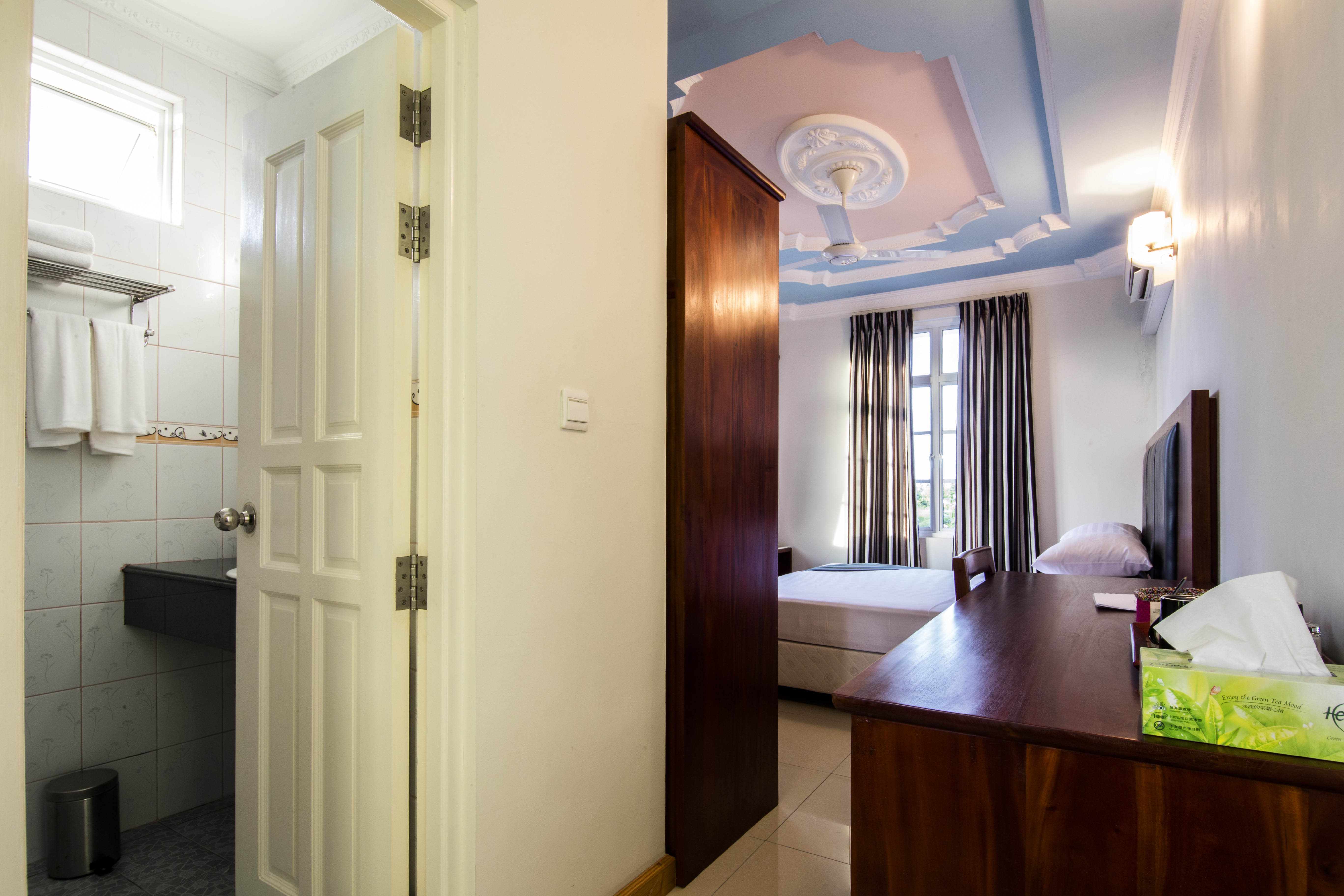 Lacabana Maldives Standard Double Room (3)
